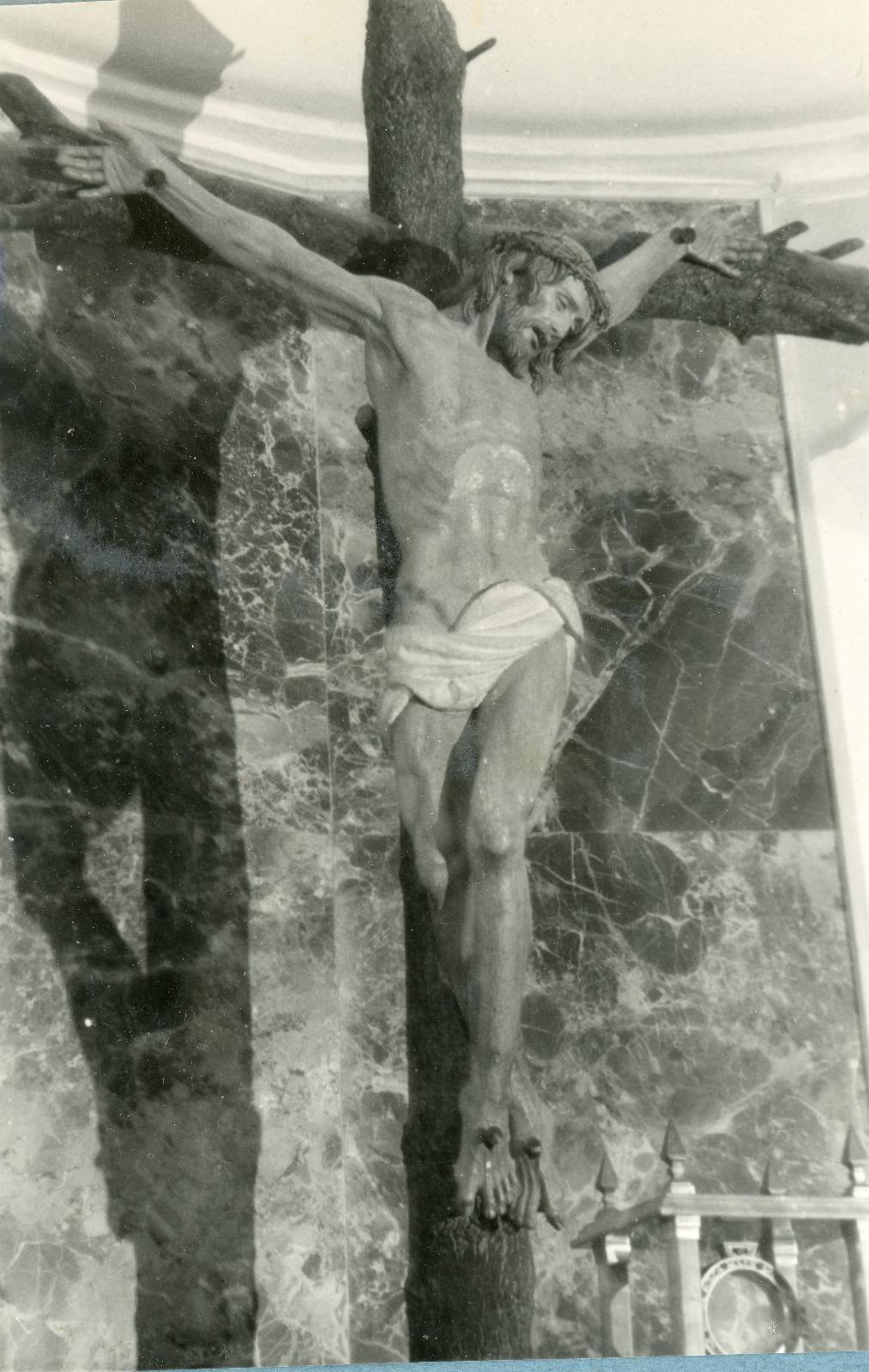 Crucificado en su primera ubicación. Seminario Menor de Hellín (Albacete). Foto: Fundación José Zamorano.