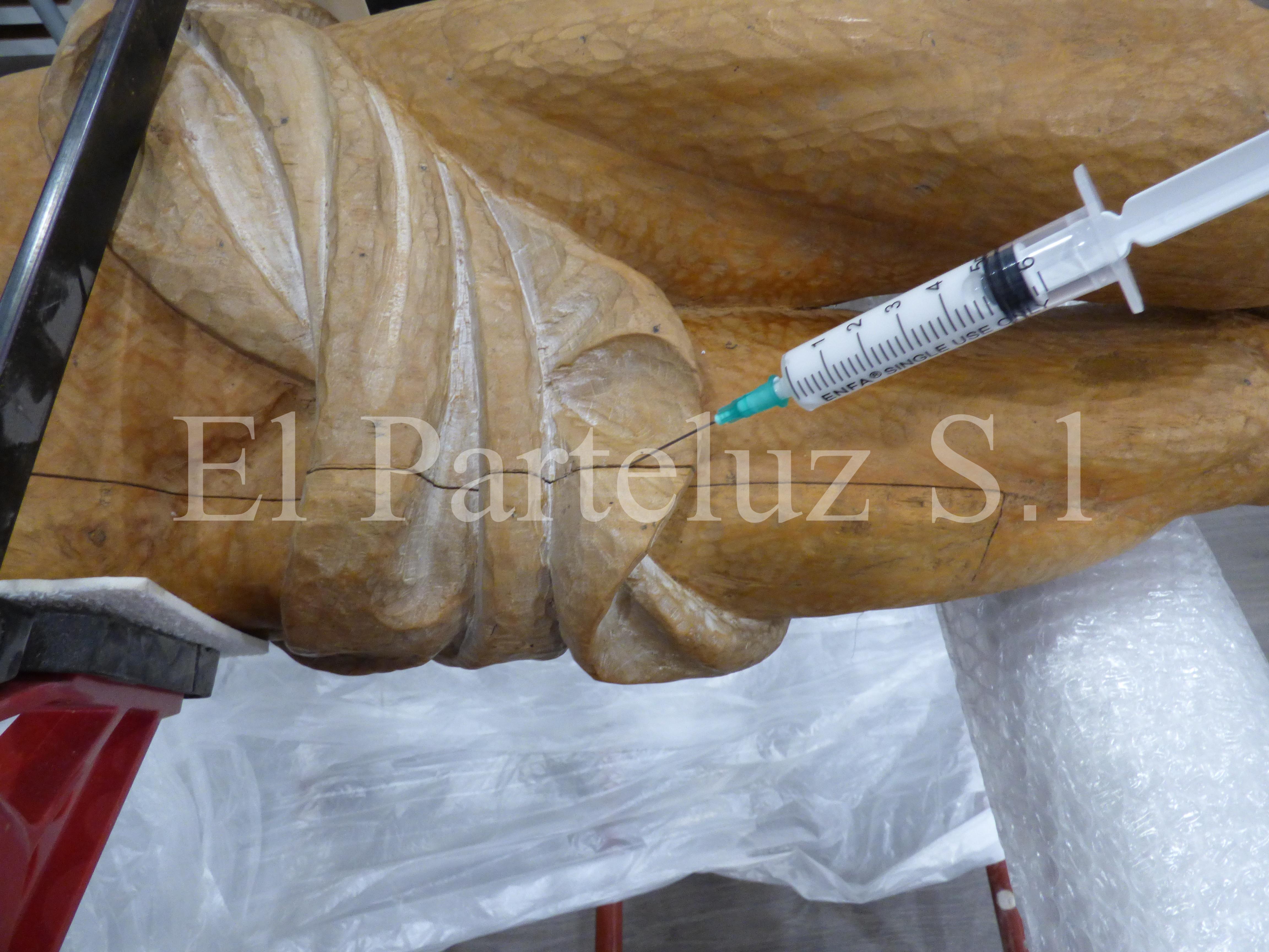 Proceso de restauración. Cristo Crucificado de la Iglesia de San José Albacete. El Parteluz. SL. Pablo Nieto Vidal.